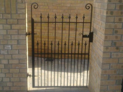 Metal Gate With Handle