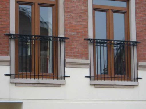 juillet-balcony-railing