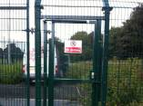 metal-fencing-with-gate